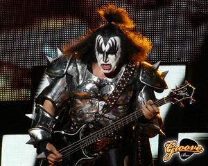 Happy birthday to the Demon Gene Simmons (Kiss)