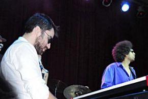 Tributo a Stevie Wonder com a banda Serviço de Preto