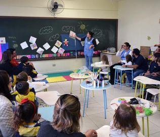 [CENTRO] 24/8 - CAF� LITER�RIO DO INFANTIL 3 E 4