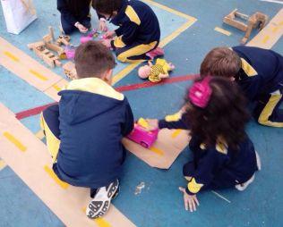 [Centro] A minicidade e os meios de transporte - Infantil 5