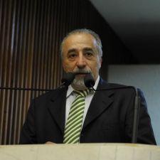 Rasca presta homenagem a Teresa Urban e Mário Roque