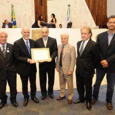 Assembleia homenageia os 90 anos do Instituto de Engenharia do Paraná
