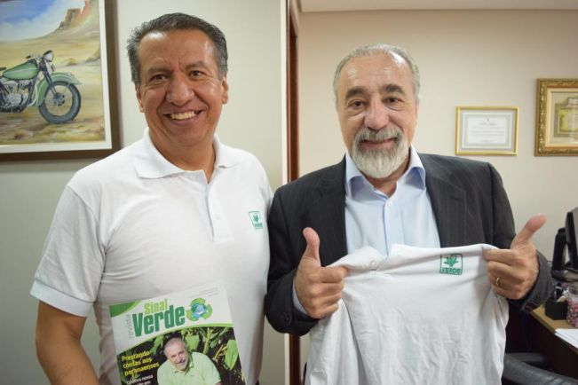 Rasca recebe visita de deputado do México