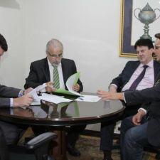 Comissão do Meio Ambiente aprova dois projetos e PL da escarpa vai à diligência