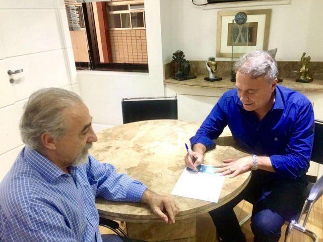 Nota: Deputado Rasca anuncia filiação ao movimento Podemos