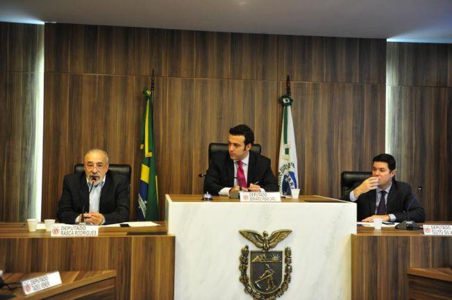 Frente Parlamentar promove encontro entre produtores de energia e representantes do Ministério Público