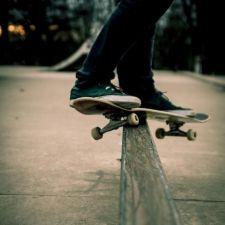 PL 615/2013 - Cria o Dia Estadual do Skate no Paraná