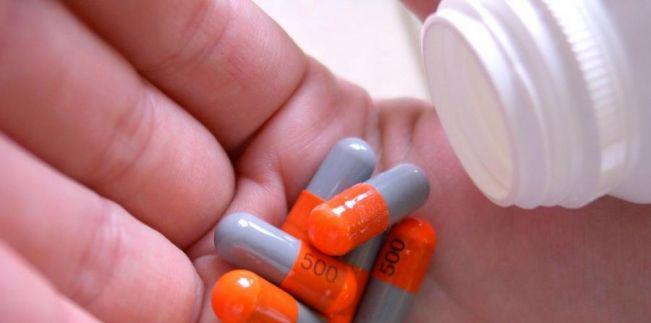 Lei 17.900/2013 - Cria Semana de Conscientização e Combate a Automedicação