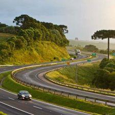 PL 301/2015 - Dispõe sobre interseções de rodovias federais e estaduais com vias urbanas e áreas UCs