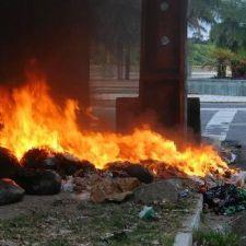 PL 759/2015 -  Proíbe o descarte de qualquer material por meio de queimada